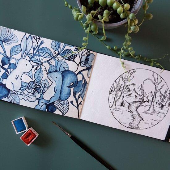 Pagina uit mijn Art Journal met woodland animals en een tiny landscape